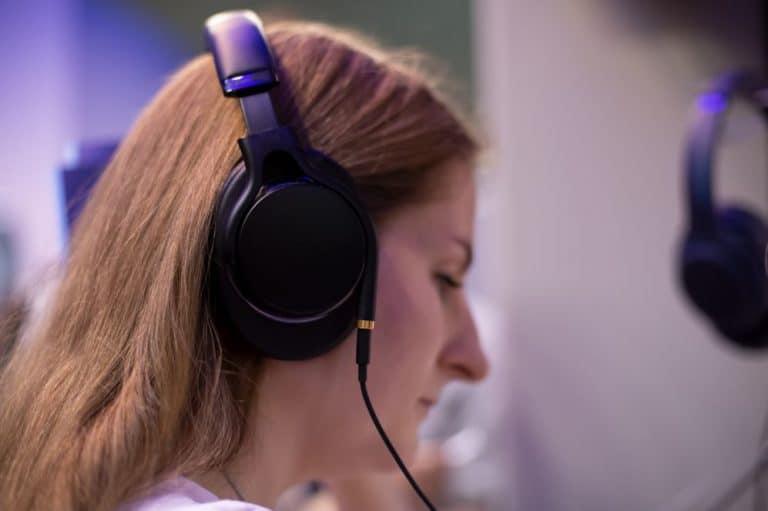 Types of Bass Headphones - Over-Ear Headphones