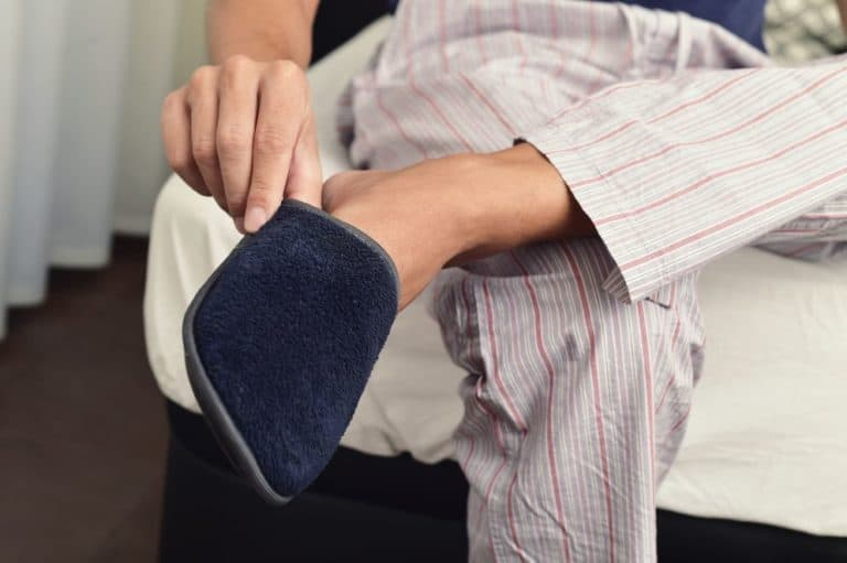 What to Consider When Trying On Slippers
