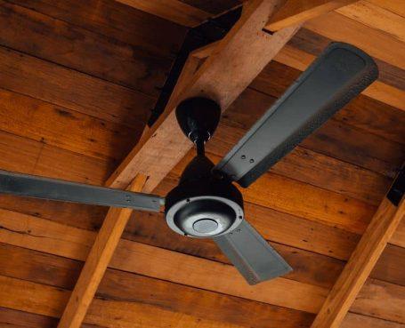 Benefits of Using a Ceiling Fan Over an AC Unit - fan
