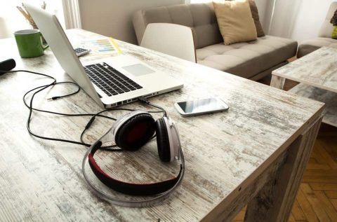 How to Connect a Wired Headset