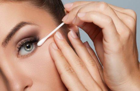How to Maintain an Eyelash Curler - Keeps older makeup