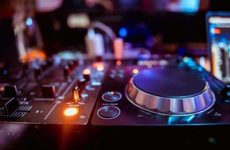 Noise Canceling Technology - loud music