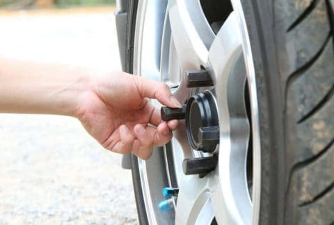 Tips for Changing a Tire Yourself