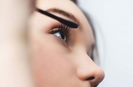 Tips for Getting the Most Out of Your Eyelash Curler - mascara
