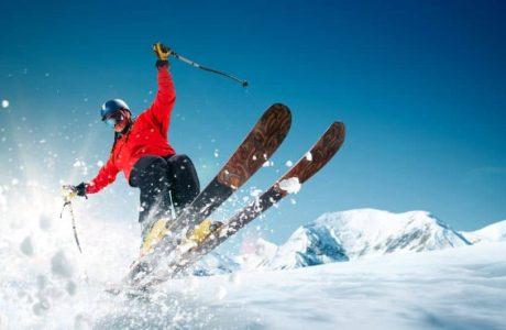 Waterproof vs. Splash-Proof - skiing