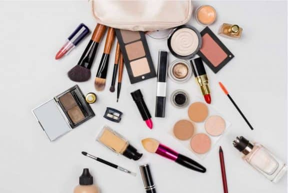 What are Some of the Benefits of Wearing Foundation